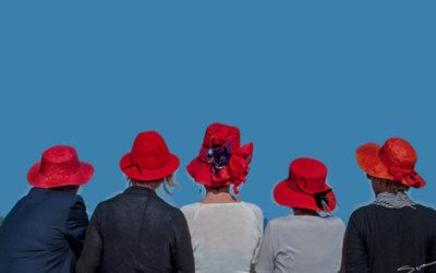 il cappello rosso porpora